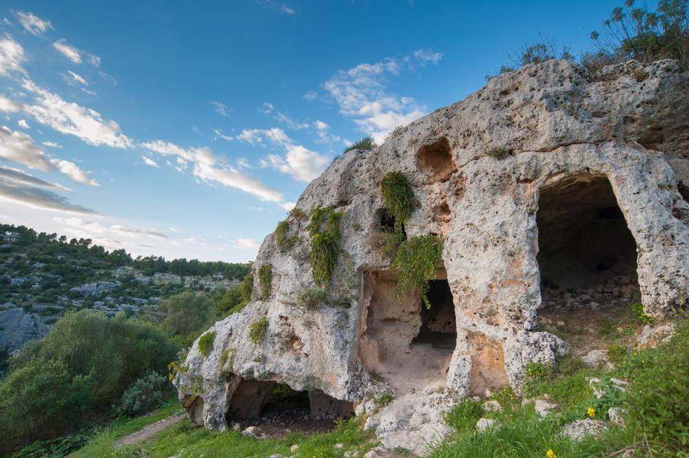 Alcune antiche sepolture di Pantalica