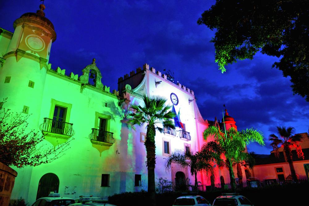 Una chiesa di notte